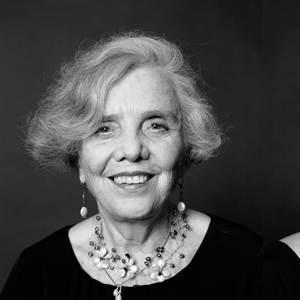 Revisar la actuación de las instituciones culturales, plantean en la Fundación Elena Poniatowska Amor